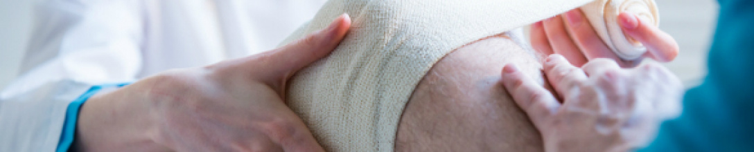 Stem cell 'living bandage' for knee injuries trialled in humans